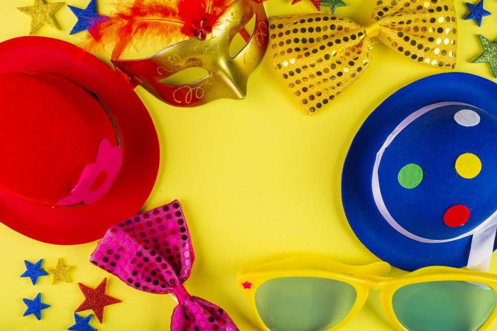 Carnaval, guardar disfraces en el trastero
