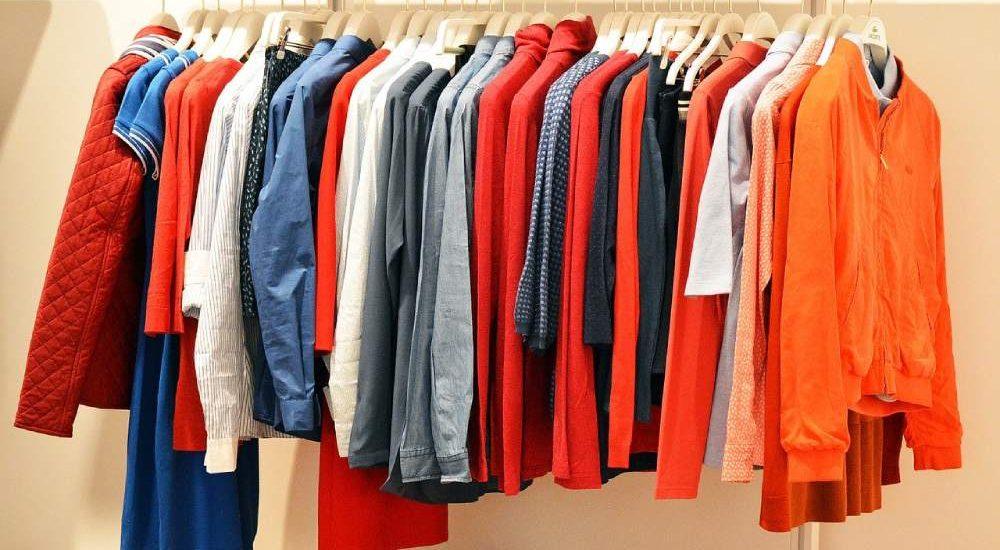 Guardar ropa en el trastero: consejos prácticos